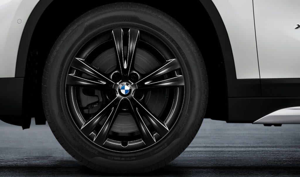 """17"""" BMW Leichtmetallrad Doppelspeiche 385 Jet Black, Winter-Komplettrad"""