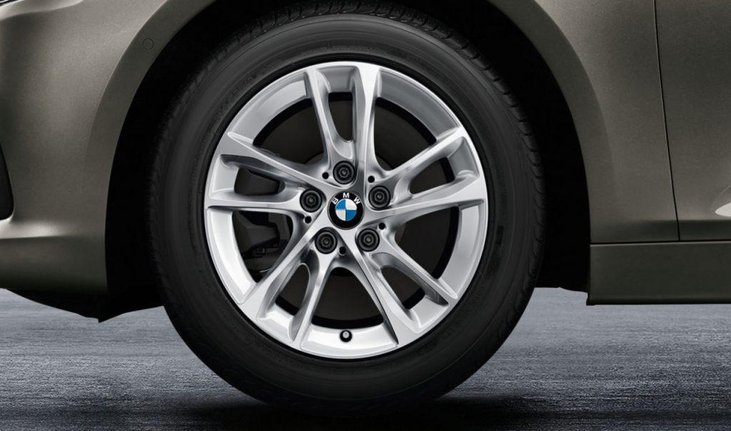 """16"""" BMW Leichtmetallrad Doppelspeiche 474 Reflexsilber, Winterkomplettrad"""