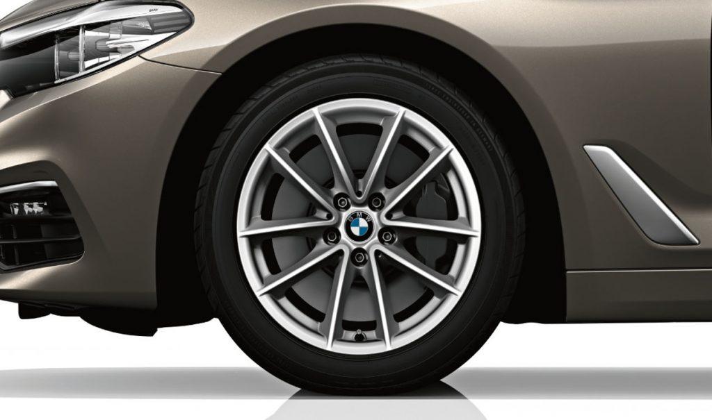 "18"" BMW Leichtmetallrad V-Speiche 618 Reflexsilber, Winter-Komplettrad"