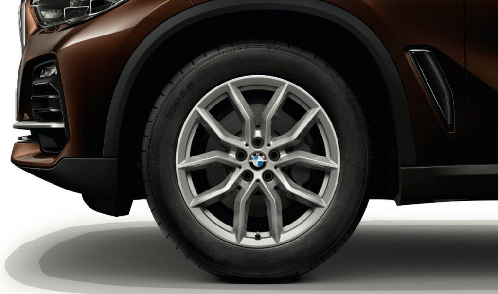 "19"" BMW Leichtmetallrad V-Speiche 734 Reflexsilber, Winter-Komplettrad"